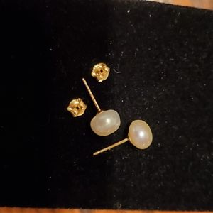 Cultured Pearl Studs w/14KT YG Earrings
